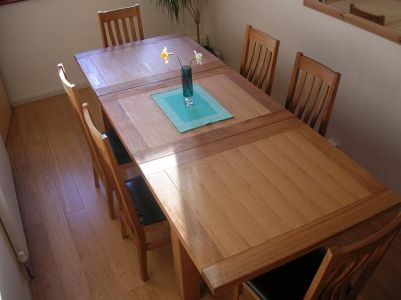 Oak Dining Table and Dining Chairs in Kent